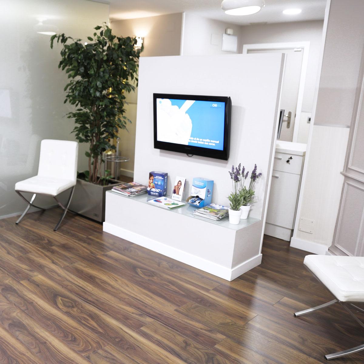 Instalaciones Clínica Dental Micale - Sala de espera